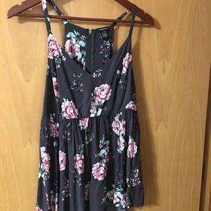 Women's Torrid sleeveless floral top size 0/XL